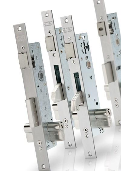 Cerraduras para perfiles metálicos
